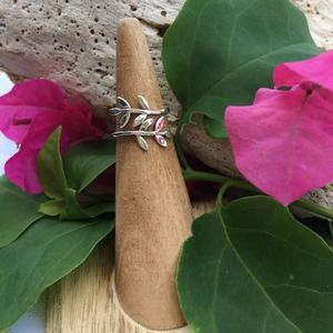 Sterling Silver Wrap Around Leaf Toe Ring